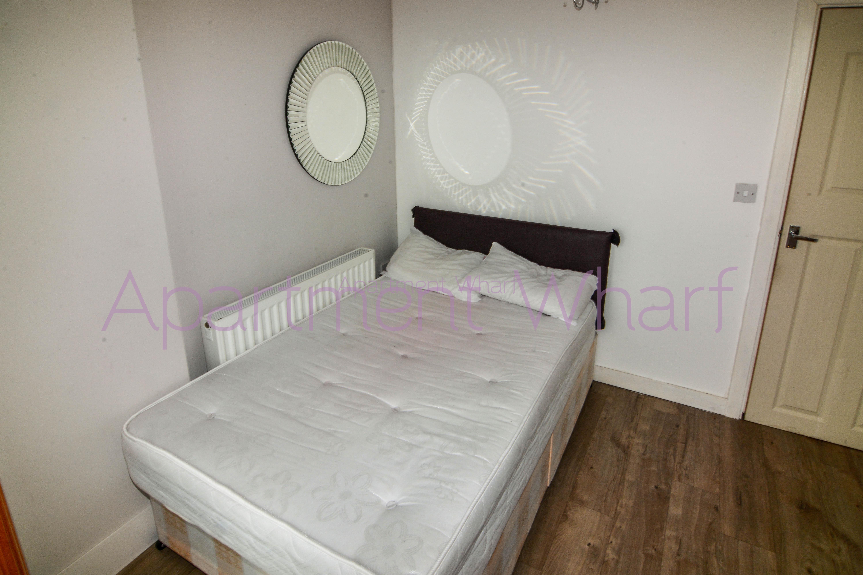 Room B (3).jpg